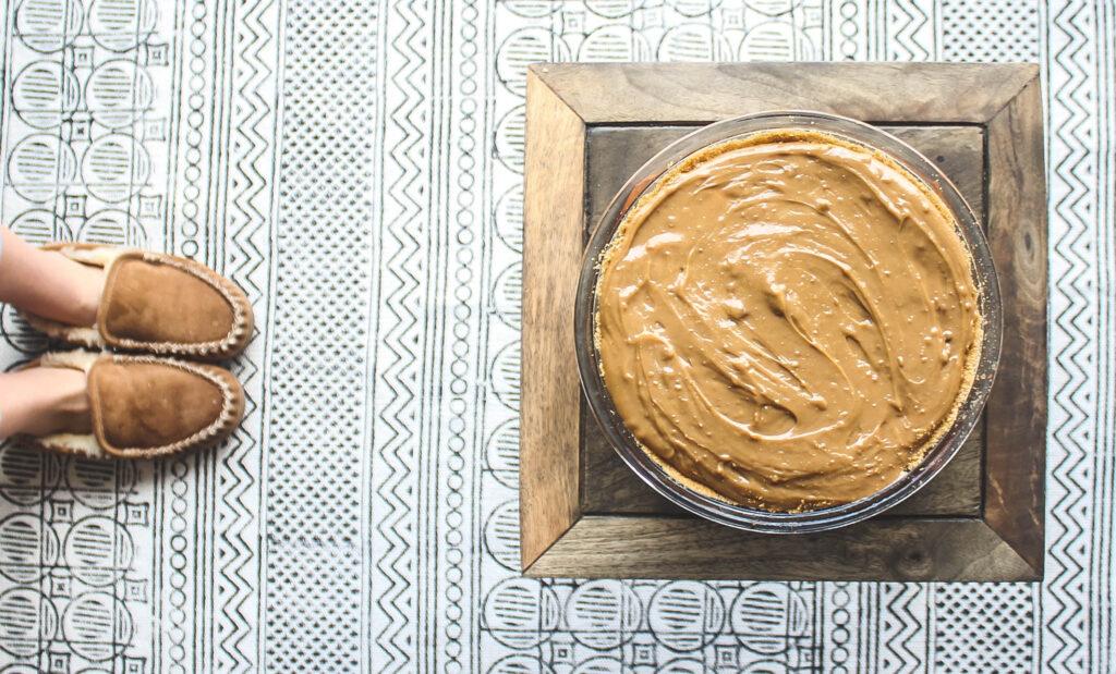 Graham crust and sweetened condensed center.